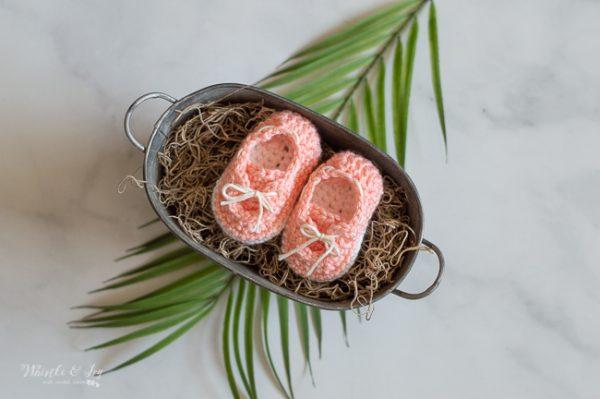 cute crochet baby shoes pattern baby boat shoes crochet pattern for baby boy or girl baby shower gift idea